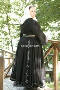 костюм по образцу одежды гребенской казачки из Российского этнографического музея